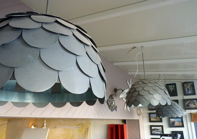 lustre écailles de zinc